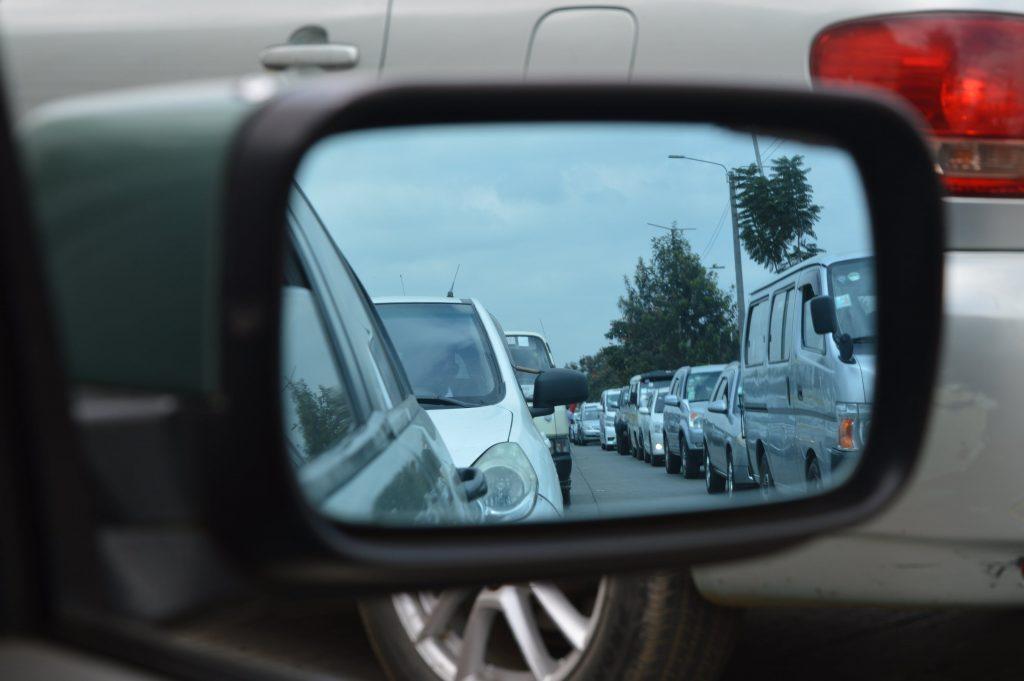 Visszapillantóból lopják az autókat